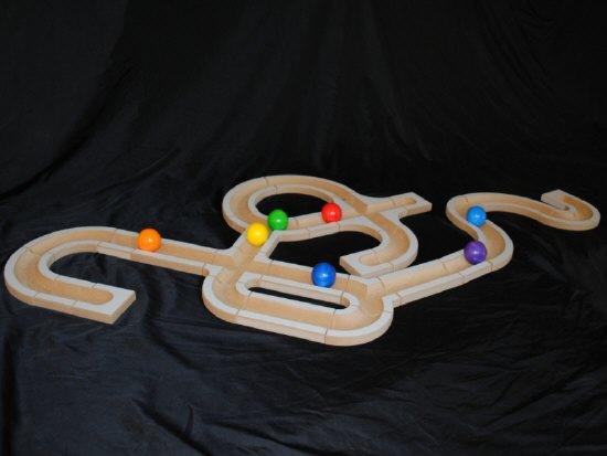 bau uns eine bahn sina spielzeug kugelbahn holzkugelbahn natural toys holzspielsachen. Black Bedroom Furniture Sets. Home Design Ideas